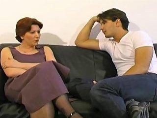 Vieille Femme Au Foyer Francaise Prise Par Grosse Bite